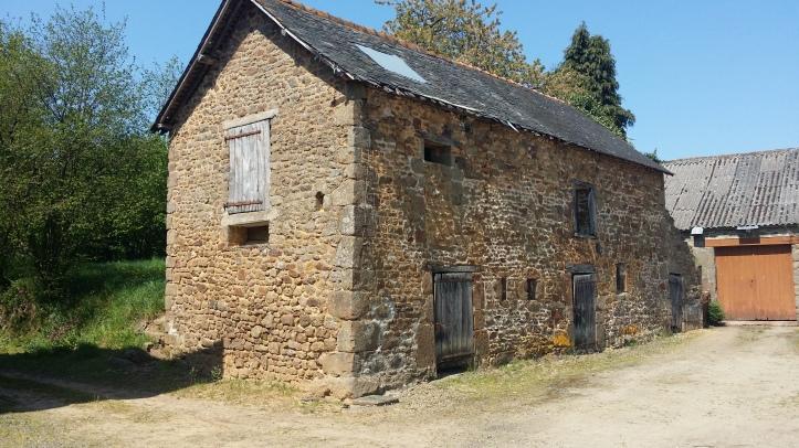 BARN HOUSE IN FRANCE