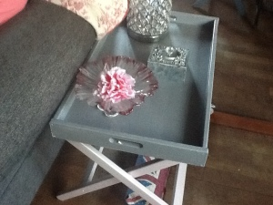 pink-glass-stand