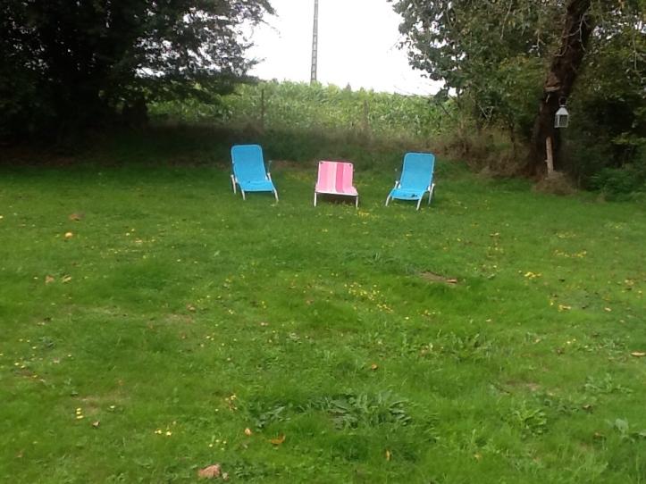 Empty_chairs.jpg